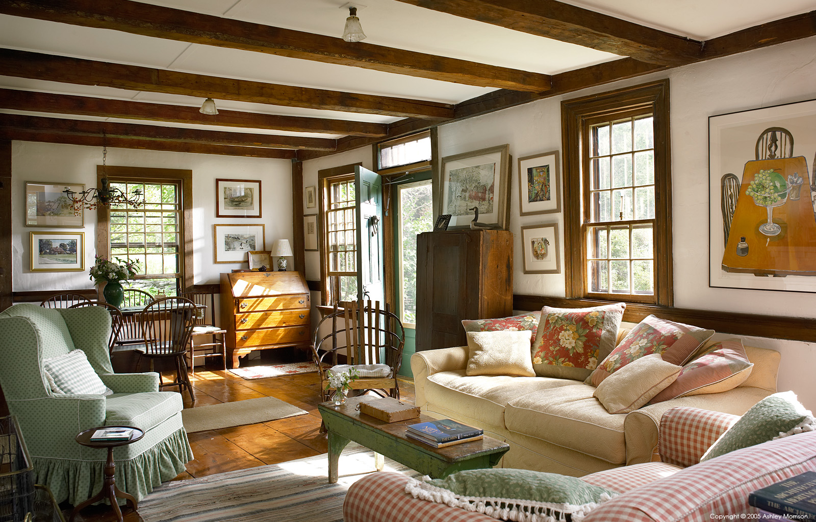 The living room in Elinor Earle's Candle Light cottage in the Vermont town of Stowe.